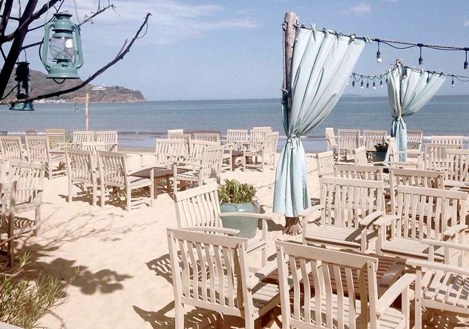 bar bãi biển